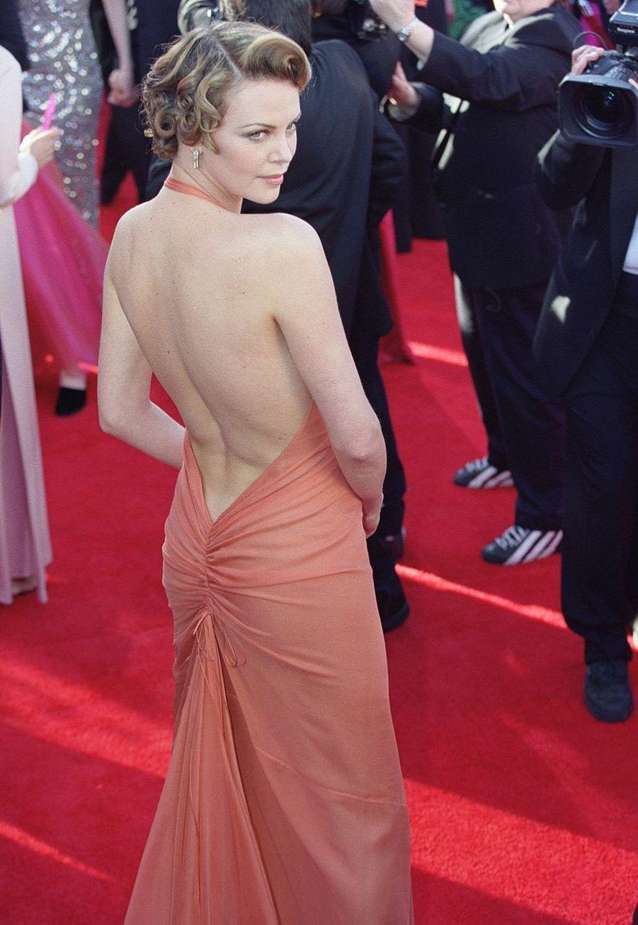 Charlize Theron aux Oscars en 2000