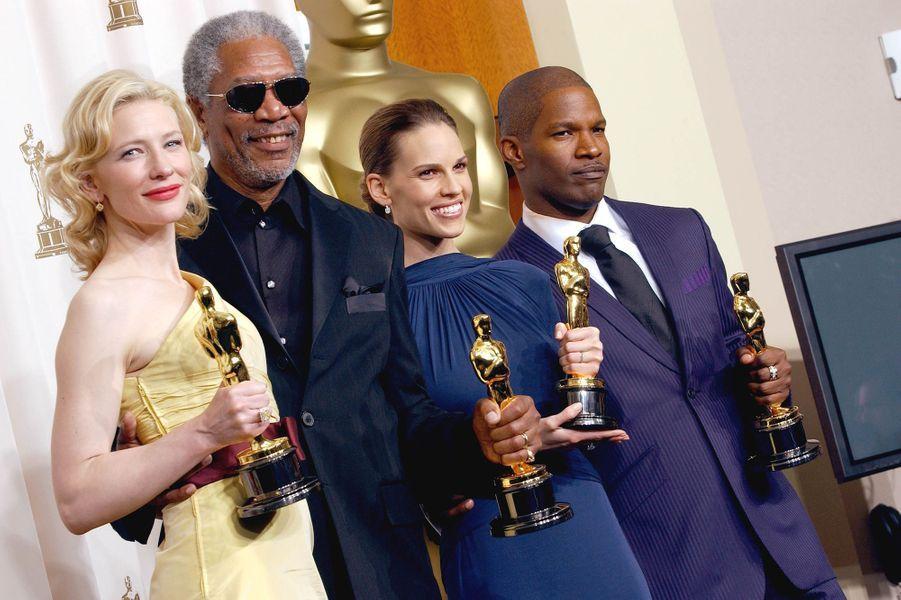 "2005 : Cate Blanchett (meilleure second rôle dans ""Aviator""), Morgan Freeman (meilleur second rôle dans ""Million Dollar Baby""),Hilary Swank (meilleure actrice dans ""Million Dollar Baby"") et Jamie Foxx (meilleur acteur dans ""Ray"")"