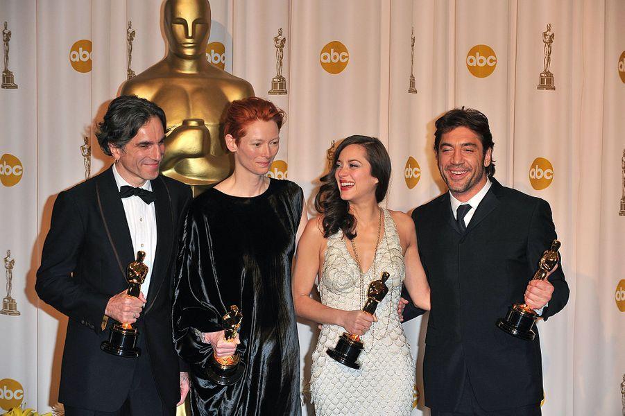 """2008 : Daniel Day-Lewis (meilleur acteur dans """"There Will Be Blood""""), Tilda Swinton (meilleure second rôle dans """"Michael Clayton""""), Marion Cotillard (meilleure actrice dans """"La Môme"""") et Javier Bardem (meilleur second rôle dans """"No Country For Old Men"""")"""