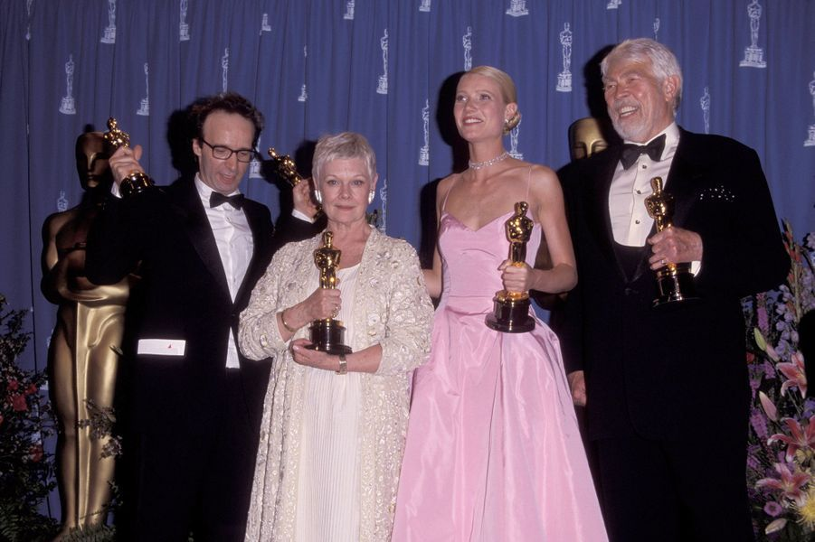 """1999 : Roberto Benigni (meilleur réalisateur et meilleur acteur pour """"La vie est belle""""), Judi Dench (meilleure second rôle dans """"Shakespeare In Love""""), Gwyneth Paltrow (meilleure actrice dans """"Shakespeare In Love"""") etJames Coburn (meilleur second rôle dans """"Affliction"""")"""
