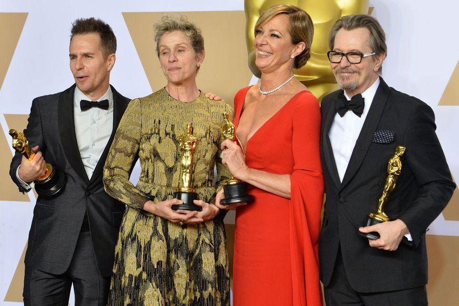 """2017 :Sam Rockwell (meilleur second rôle dans """"Three Billboards""""), Frances McDormand (meilleure actrice dans """"Three Billboards""""), Alllison Janney (meilleure second rôle dans """"Moi, Tonya"""") et Gary Oldman (meilleur acteur dans """"Les Heures sombres"""")"""