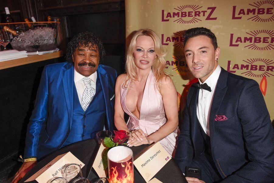 Pamela Anderson et Maxime Dereymez avec George McCrae