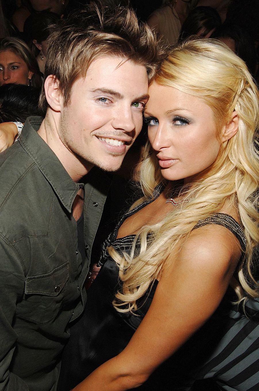 Josh Henderson (acteur vu dans «Desperate Housewives») et Paris Hilton ont brièvement formé un couple en 2007