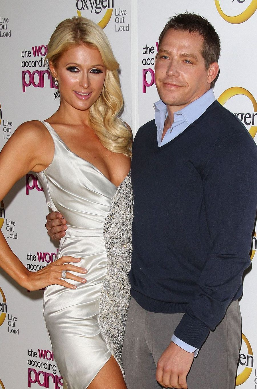 Paris Hilton et Cy Waits (un entrepreneur) sont sortis ensemble un an entre 2010 et 2011