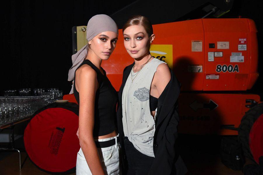 Gigi Hadid et Kaia Gerber au défilé Tom Ford à New York, mercredi 5 septembre