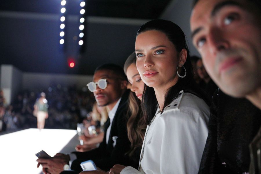 Adriana Lima au défilé Tom Ford à New York, mercredi 5 septembre