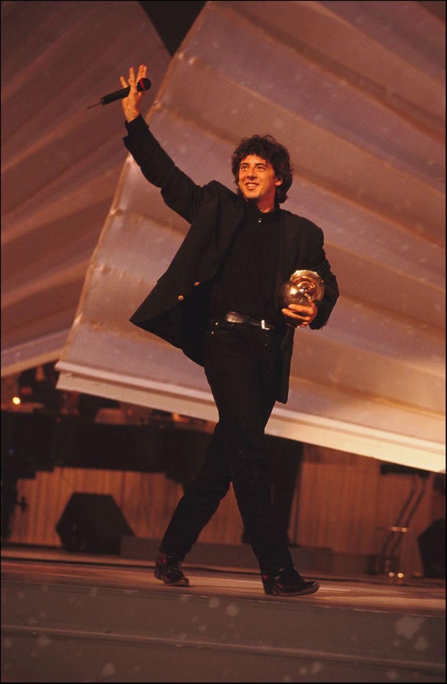 Patrick Bruel lors des Victoires de la musique en janvier 1992. Il avait reçu le prix del'artiste interprète masculin.