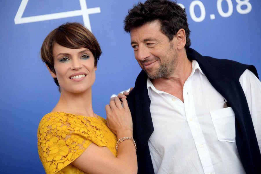 L'actrice italienne Micaela Ramazzotti et Patrick Bruel à la Mostra de Venise.