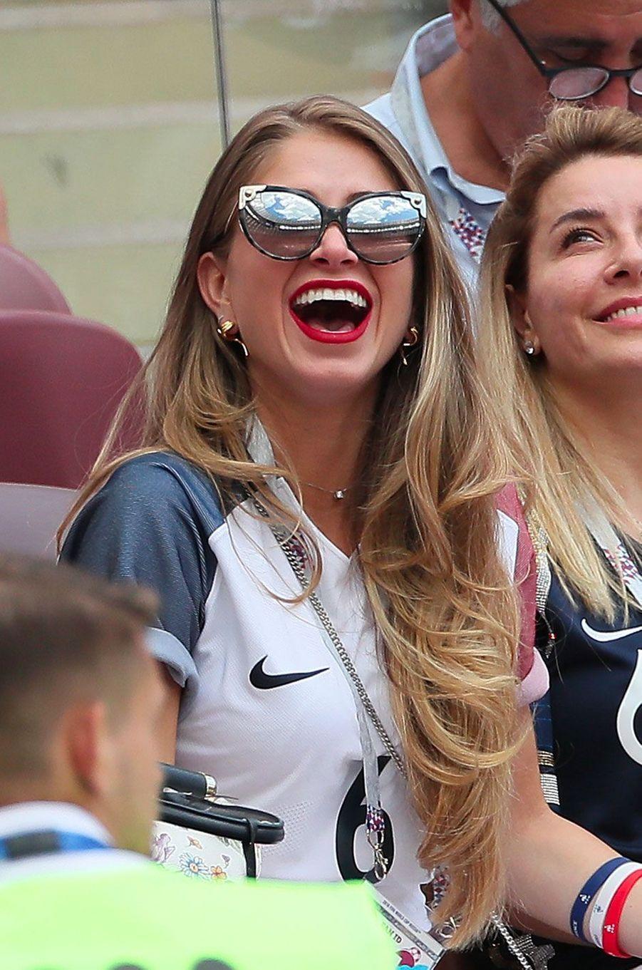 Maria Salaue dans les tribunes du match France-Danemark le 26 juin 2018