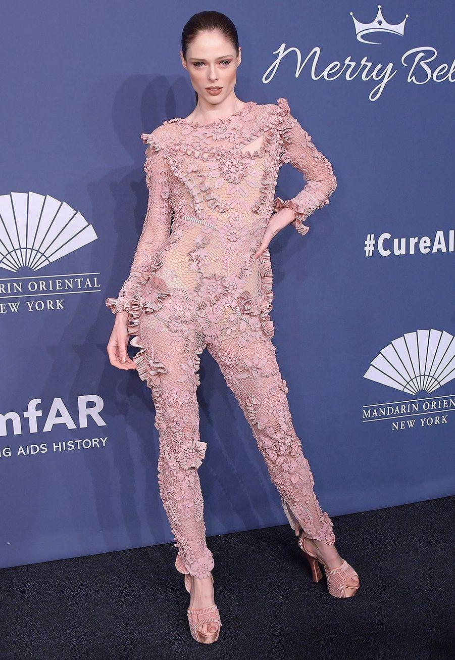 Coco Rochaau gala de l'amfAR à New York le 5 février 2020