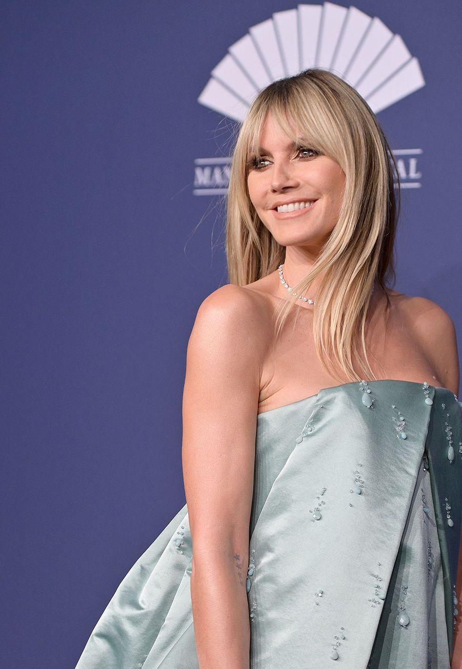 Heidi Klumau gala de l'amfAR à New York le 5 février 2020