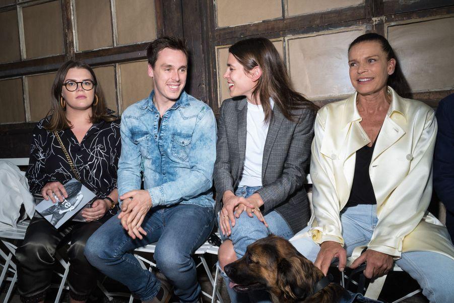 Camille Goettlieb, Louis Ducruet, Charlotte Casiraghi et Stéphanie de Monacoau défilé Alter à Paris le 18 juin 2019.