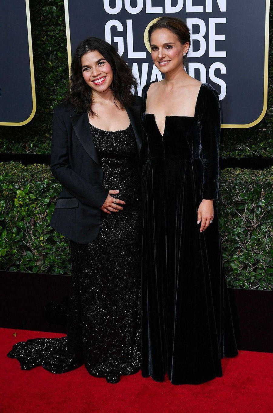 Natalie Portman dans une robe Dior aux Golden Globes 2018, avec America Ferrara