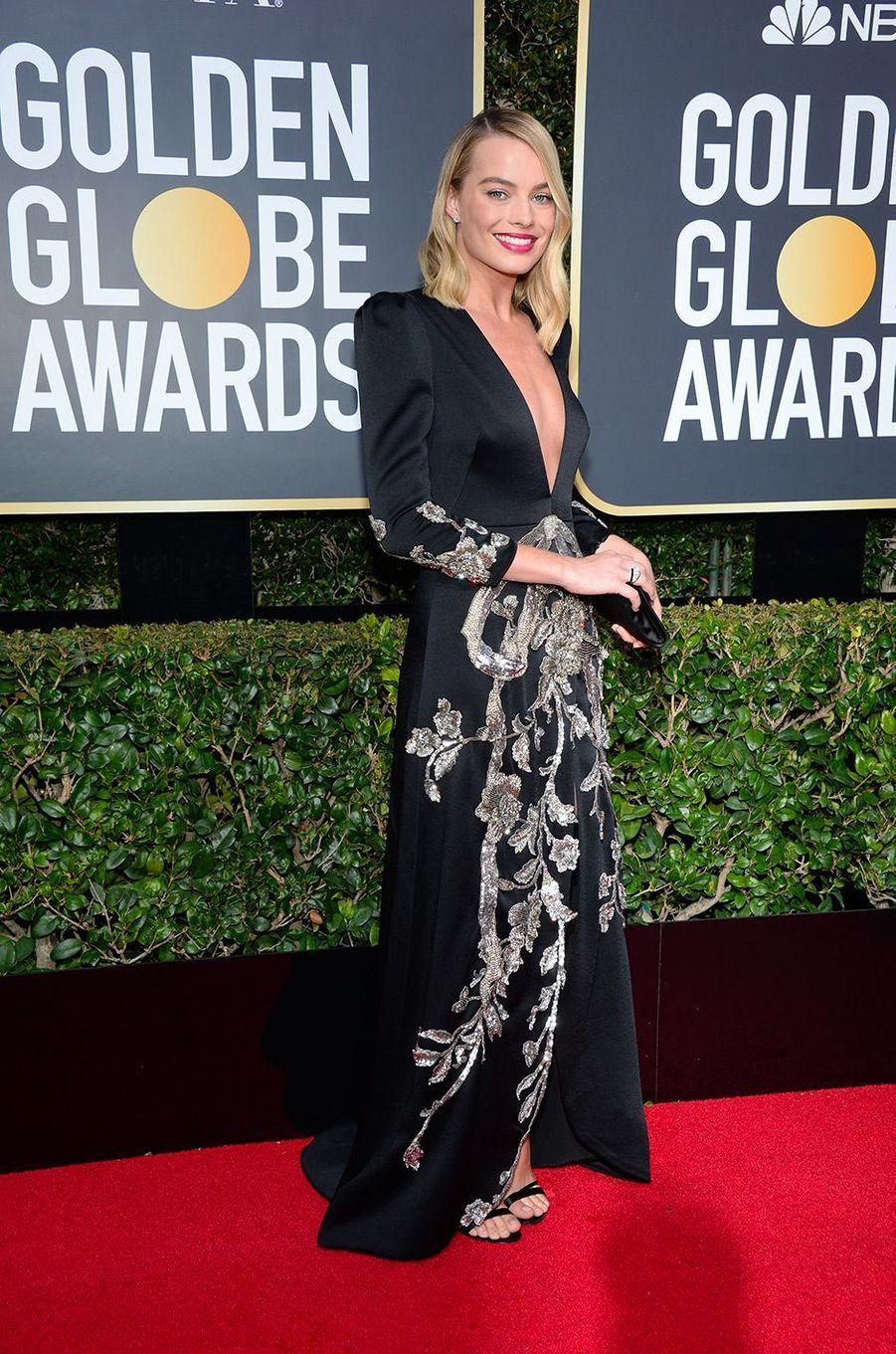 Margot Robbie dans une robe Gucci aux Golden Globes 2018