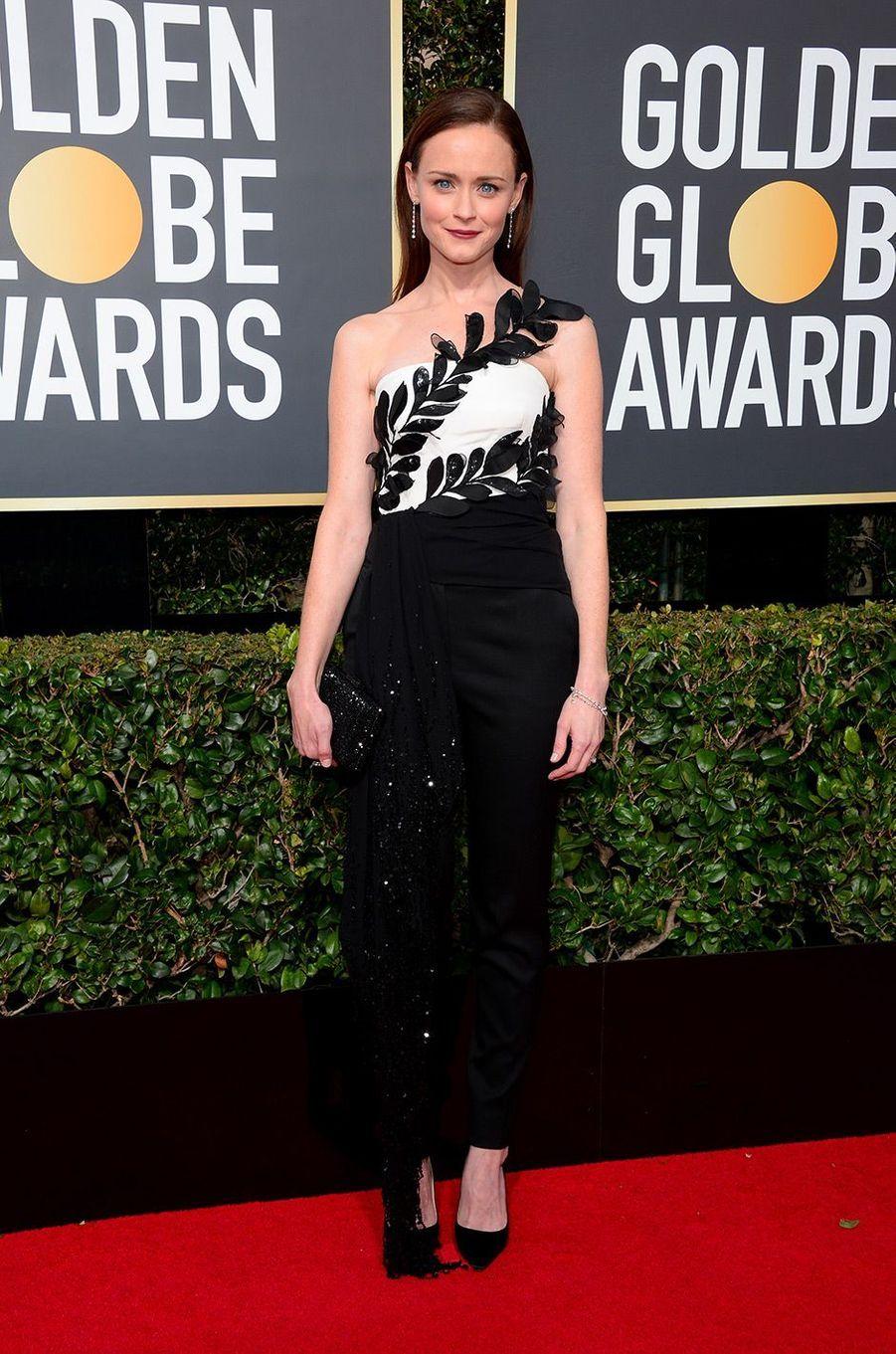 Alexis Bledel dans une combinaison Oscar de la Renta aux Golden Globes 2018