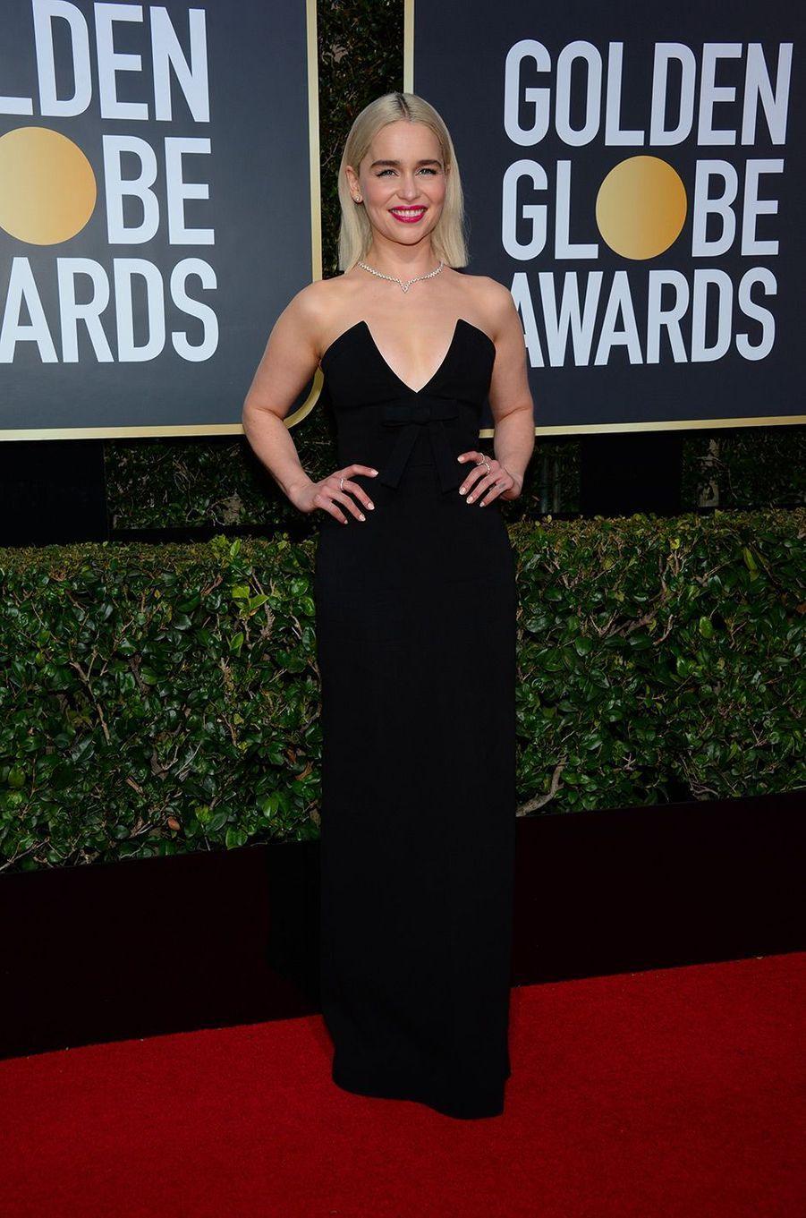 Emilia Clarke dans une robe Miu Miu aux Golden Globes 2018