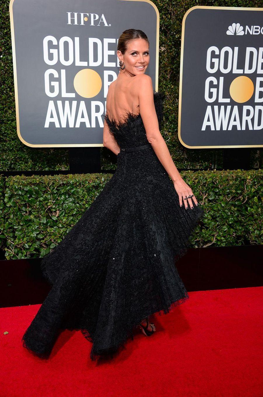 Heidi Klum dans une robe Ashi Studio aux Golden Globes 2018