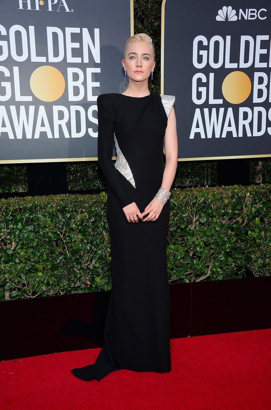 Saoirse Ronan dans une robe Versace aux Golden Globes 2018