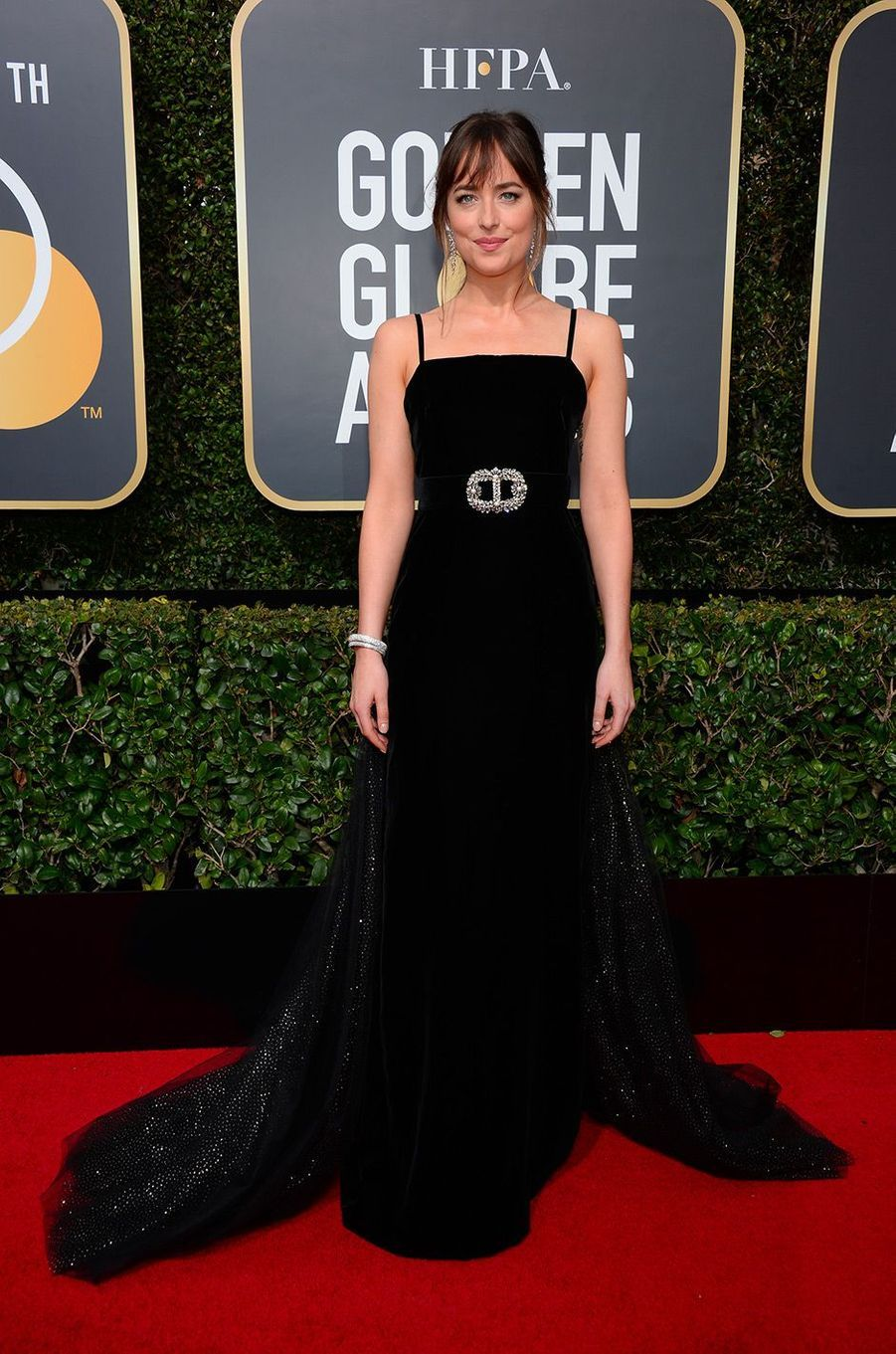 Dakota Johnson dans une robe Gucci aux Golden Globes 2018