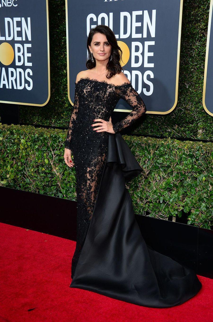 Penélope Cruz dans une robe Ralph and Russo aux Golden Globes 2018
