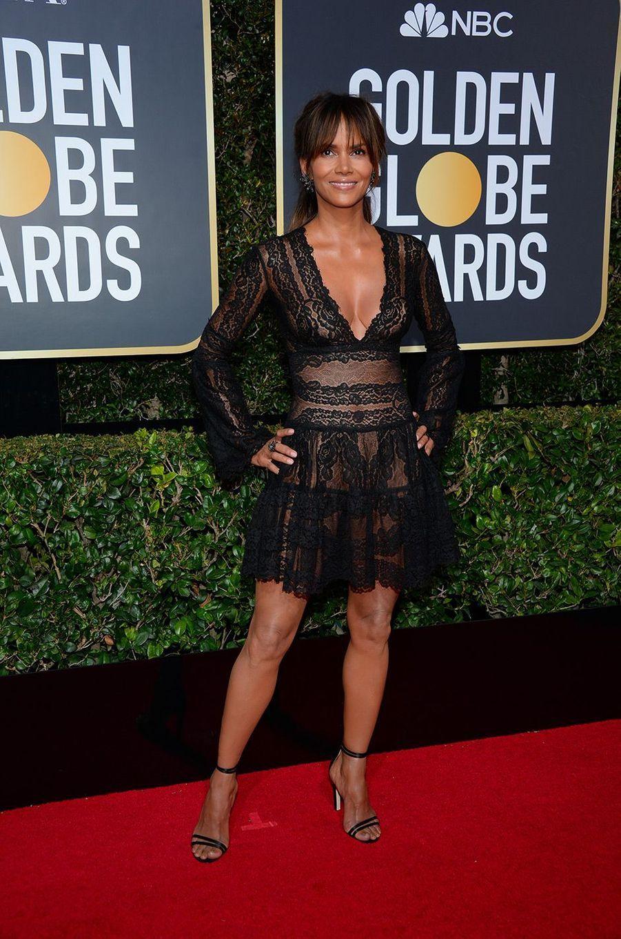 Halle Berry dans une robe Zuhair Murad aux Golden Globes 2018