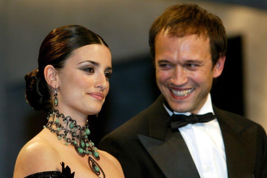 Penélope Cruz avec Vincent Perez au Festival de Cannes en 2003