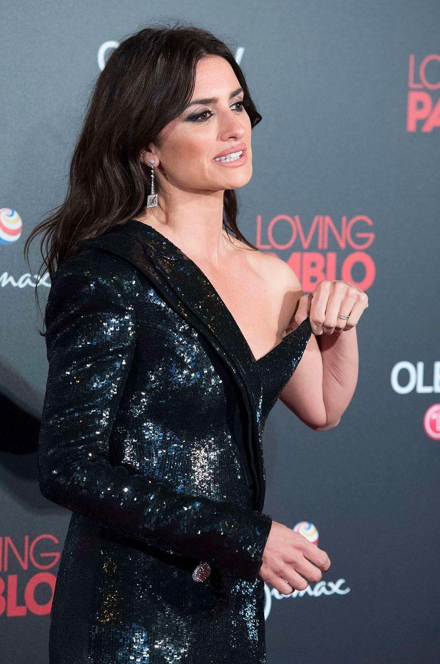 """Penélope Cruz à l'avant-première de """"Loving Pablo"""" à Madrid"""