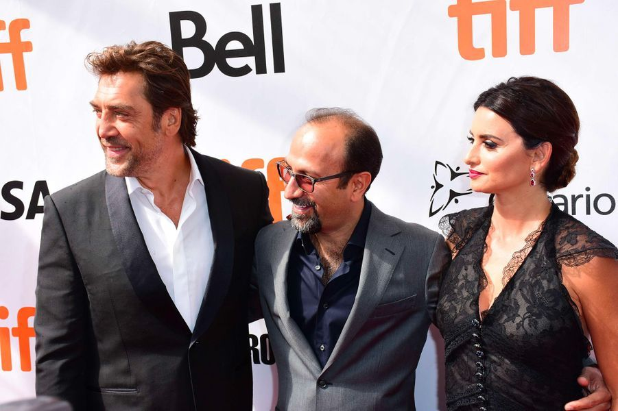 "Javier Bardem, Asghar Farhadi et Penélope Cruz présentent ""Everybody Knows"" d'Asghar Farhadi au festival de Toronto, samedi 8 septembre"