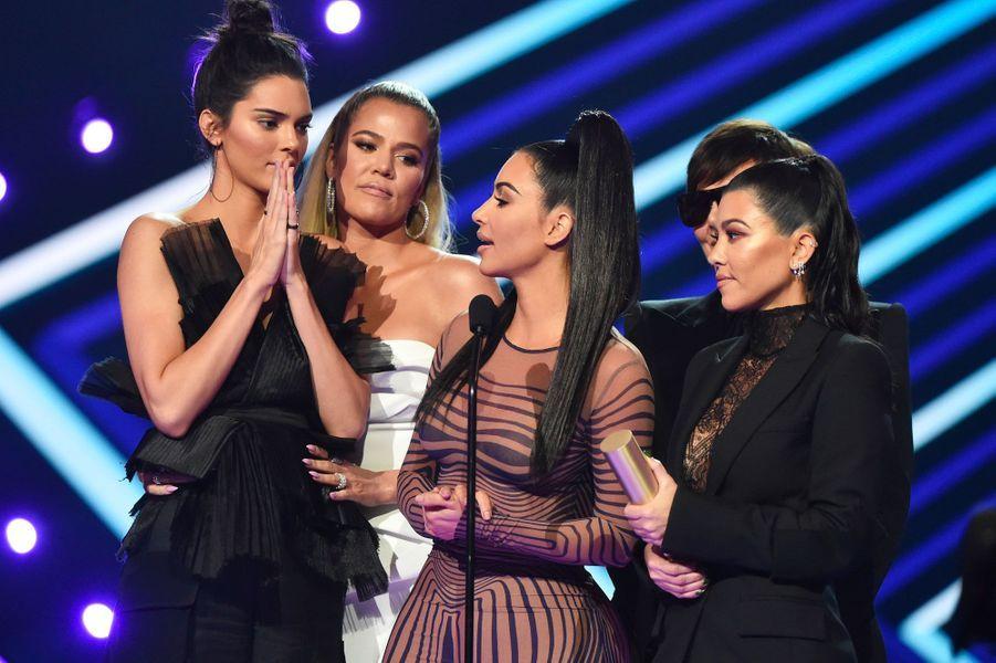 Kendall Jenner, Khloé Kardashian, Kim Kardashian, Kris Jenner et Kourtney Kardashian aux People's Choice Awards 2018
