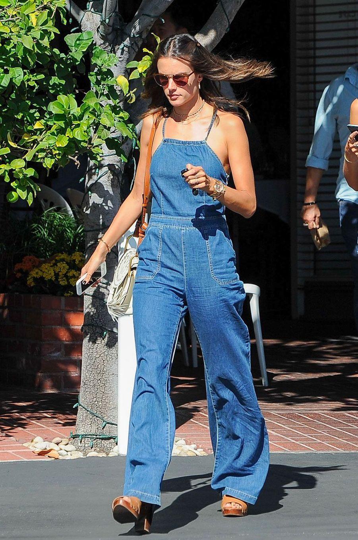 People Style : Alessandra Ambrosio, ses plus belles tenues estivales