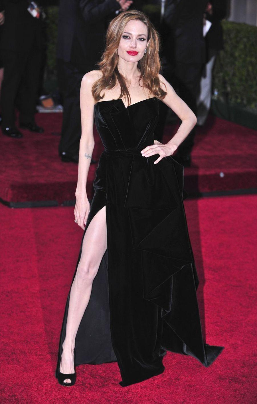 Angelina Jolie lors de la cérémonie des Oscars à Los Angeles, le 26 février 2012