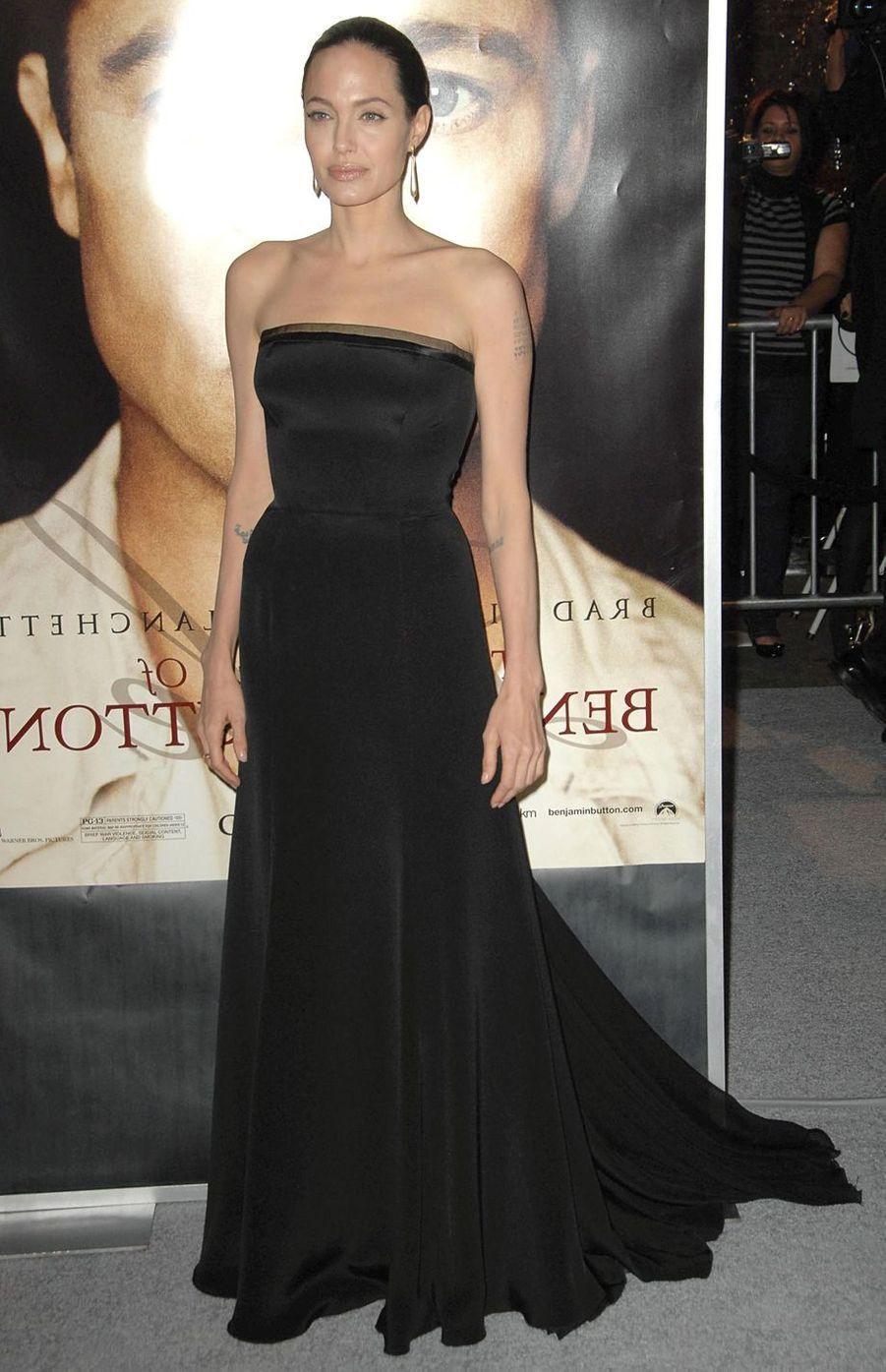 """Angelina Jolie lors de l'avant-première de """"Benjamin Button"""" à Los Angeles, le 8 décembre 2008"""