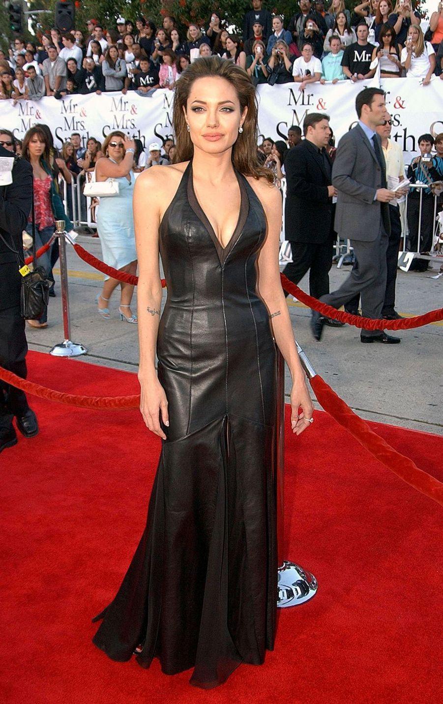 """Angelina Jolie à l'avant-première de """"Mr. et Mrs. Smith"""" à Los Angeles, le 7 juin 2005"""
