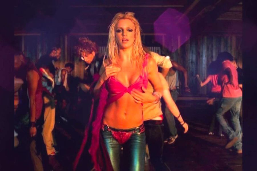 "Britney Spears - ""I'm a slave 4 u"" (2001)"