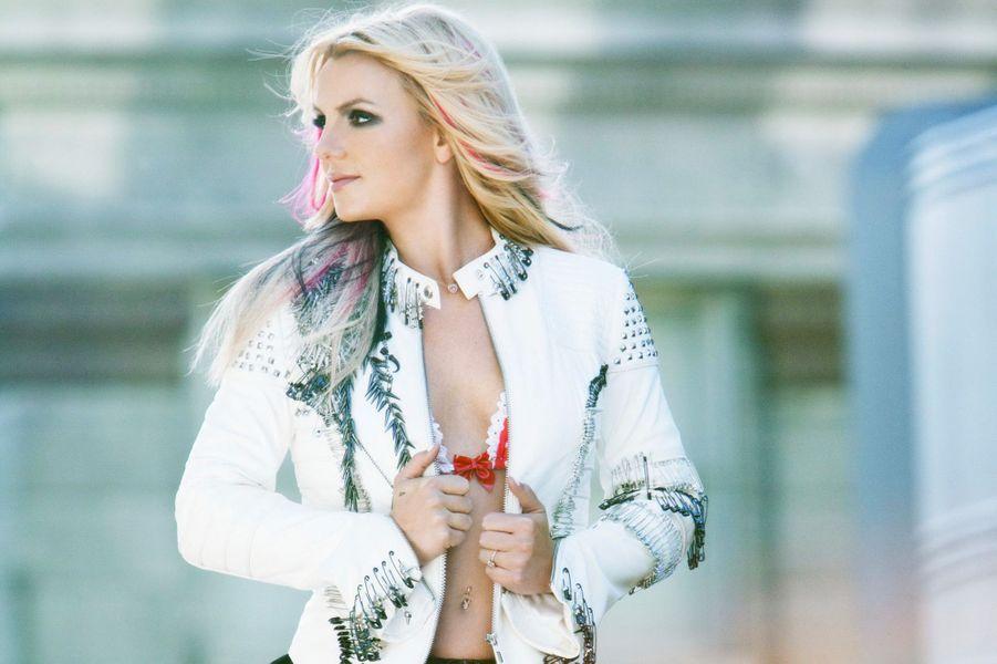"Britney Spears - ""I wanna go"" (2011)"