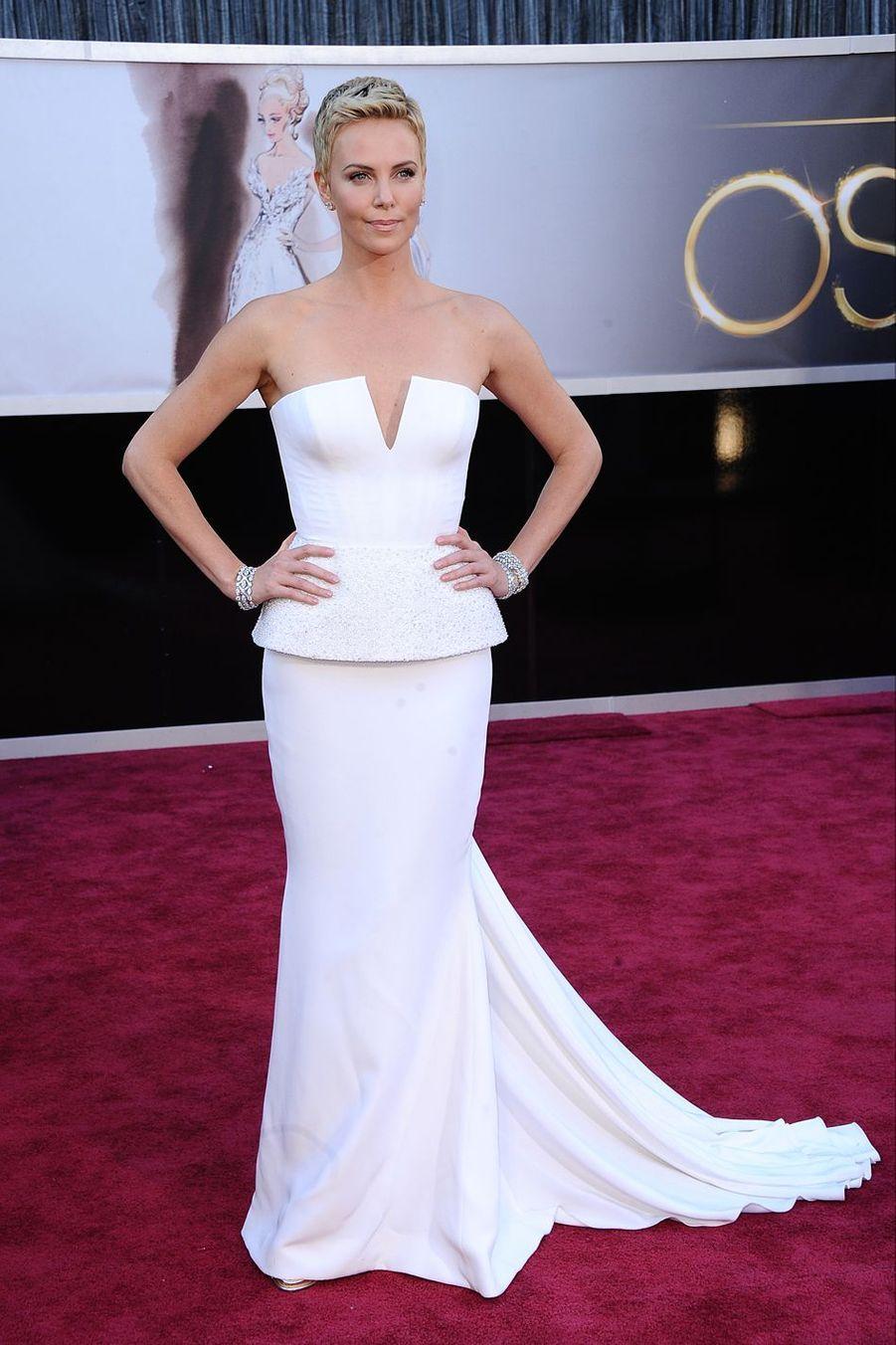 Charlize Theron lors de la 85e Academy Awards à Los Angeles, 24 février 2013