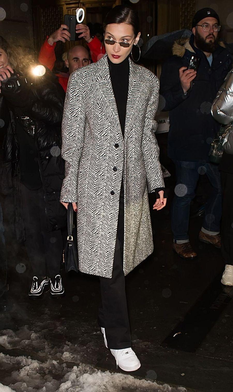Bella Hadid à la sortie du défilé Oscar De La Renta lors de la New York Fashion Week, le 12 février 2019.