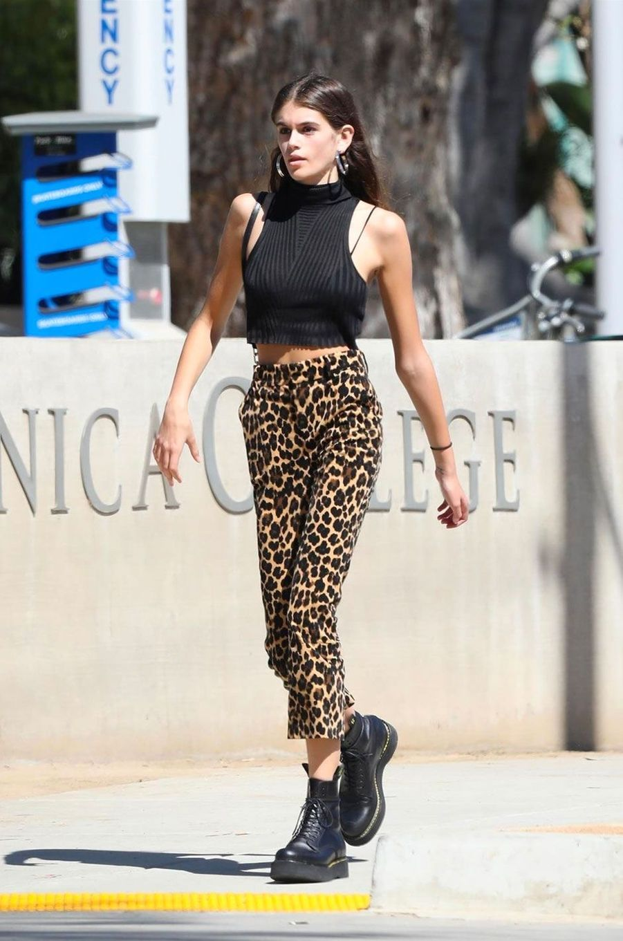 People Style : le casual chic selon Kaia Gerber