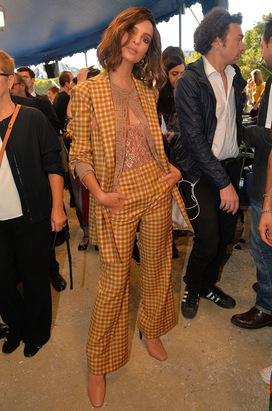 Emily Ratajkowski au défilé Nina Riccià Paris vendredi 29 septembre