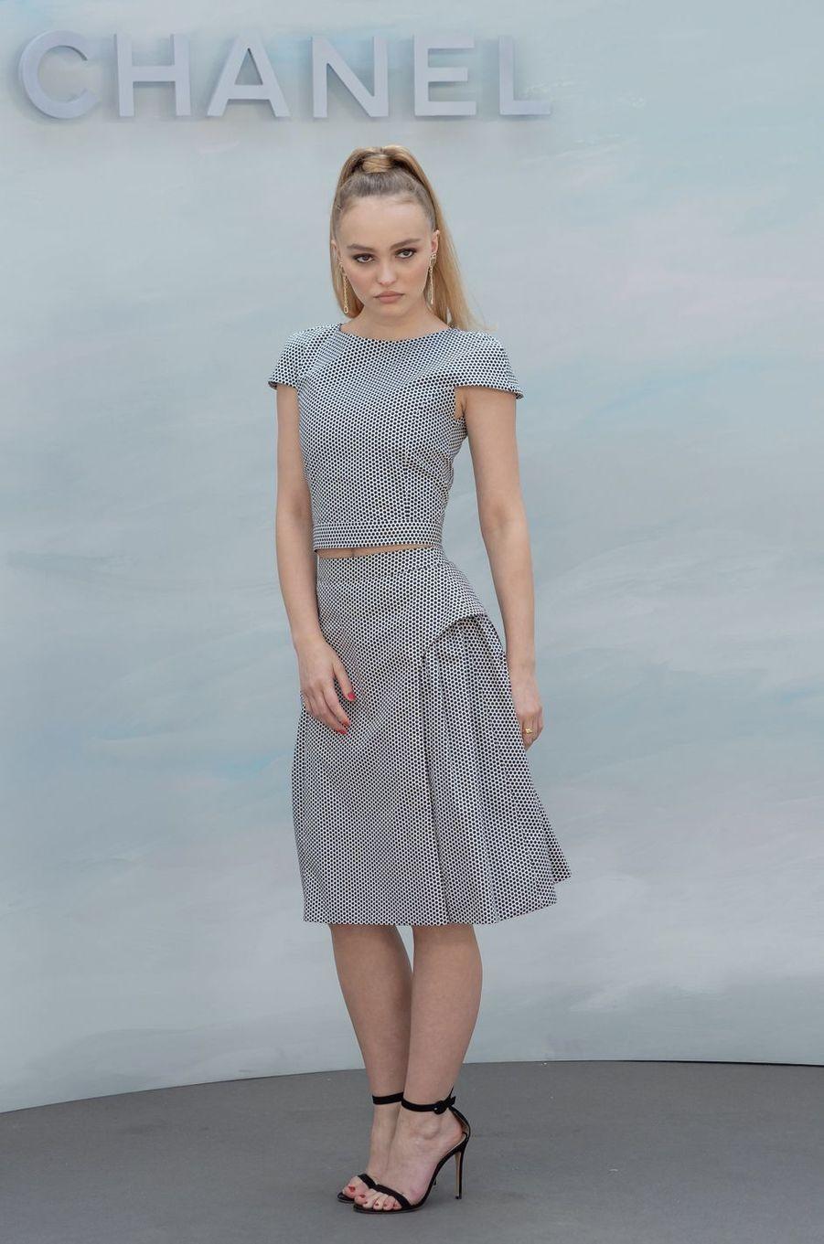 People Style : Lily-Rose Depp, la vie en noir et blanc
