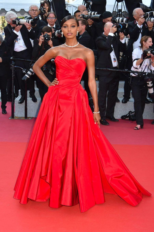People Style : quand le rouge s'invite sur la Croisette