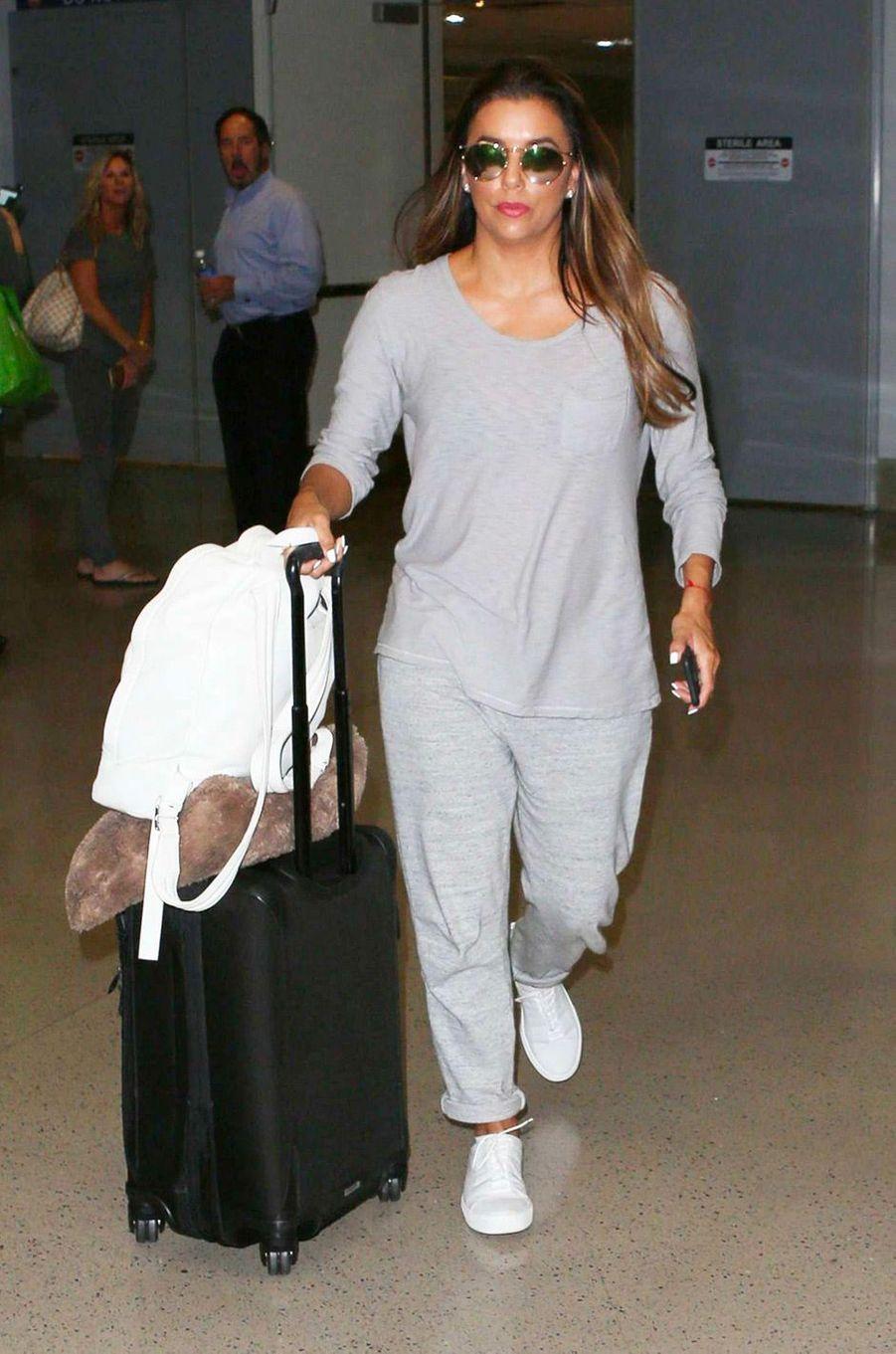 Eva Longoria à l'aéroport de Los Angeles, le 15 août 2017