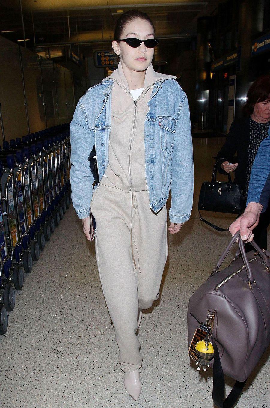 Gigi Hadid à l'aéroport de Los Angeles, le 26 mars 2018