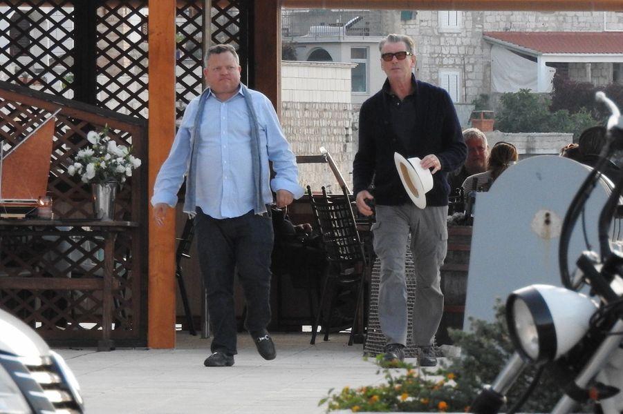 """Pierce Brosnan sur le tournage de """"Mamma Mia 2"""" en Croatie, en octobre 2017."""