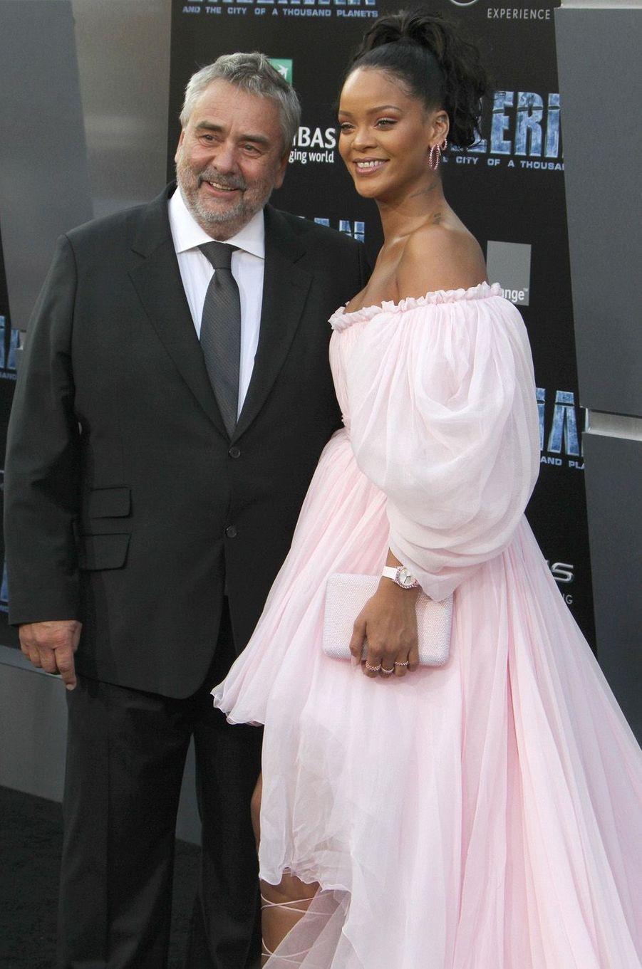Rihanna et Luc Besson à l'avant-première de Valérian et la Cité des mille planètes, le 17 juillet 2017 à Los Angeles.