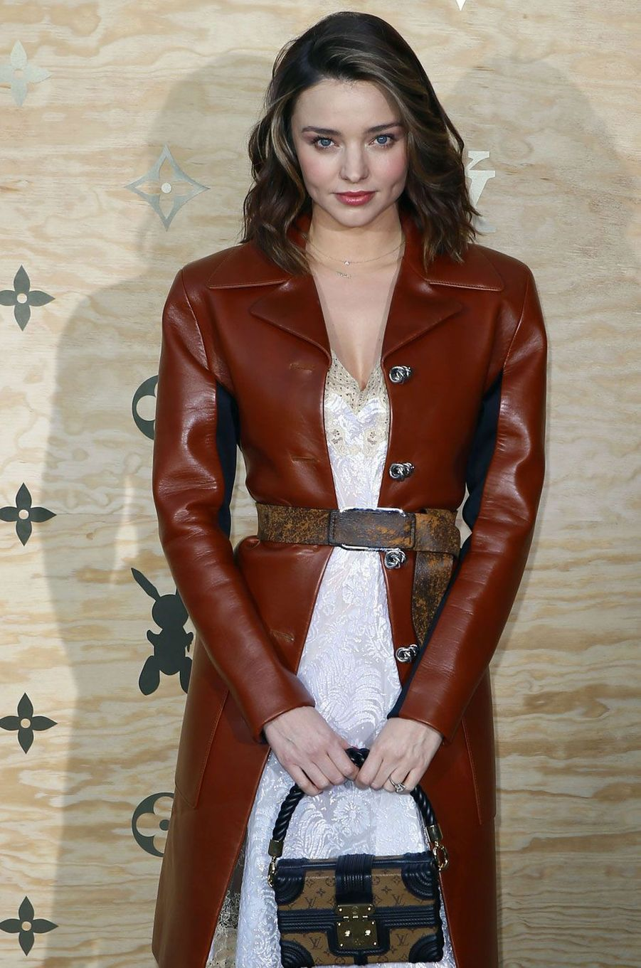 Miranda Kerr au Louvre.