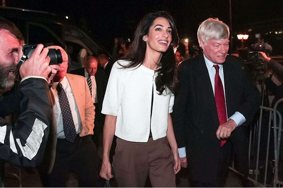 Amal Clooney et Geoffrey Robertson à Athènes le lundi 13 octobre 2014