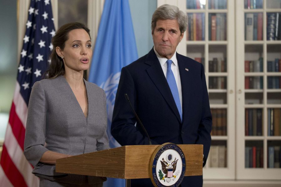Angelina Jolie avec John Kerry à Washington, lors de la Journée mondiale des réfugiés, le 20 juin 2016.