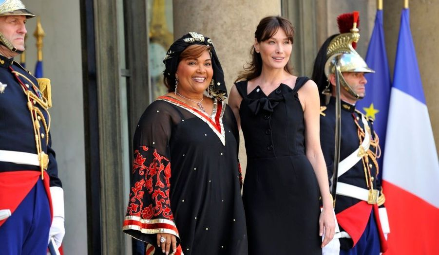 Carla Bruni et Chantal Campaore (Burkina Faso)