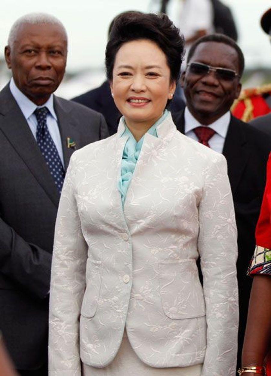 La veille, le président chinois et son épouse étaient en Tanzanie. Ils se rendront dans la semaine en République démocratique du Congo.